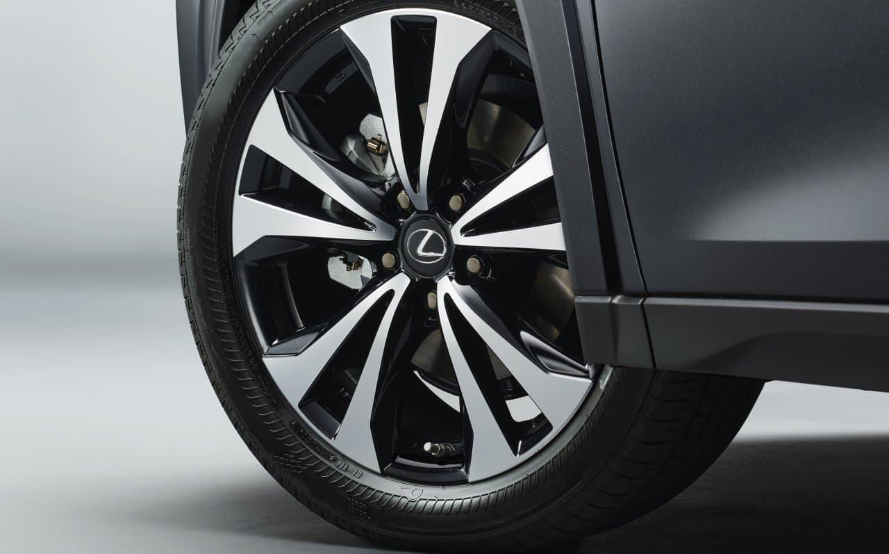 """LEXUS「UX」に2タイプの特別仕様車 スポーティな""""F SPORT Style Blue""""とエレガントな""""Elegant Black"""""""