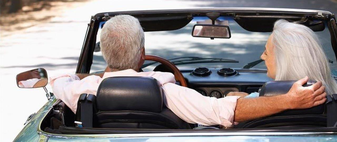 フェラーリを載せられるガレージ付き! キャンピングカーDEMBELL「motorhome」