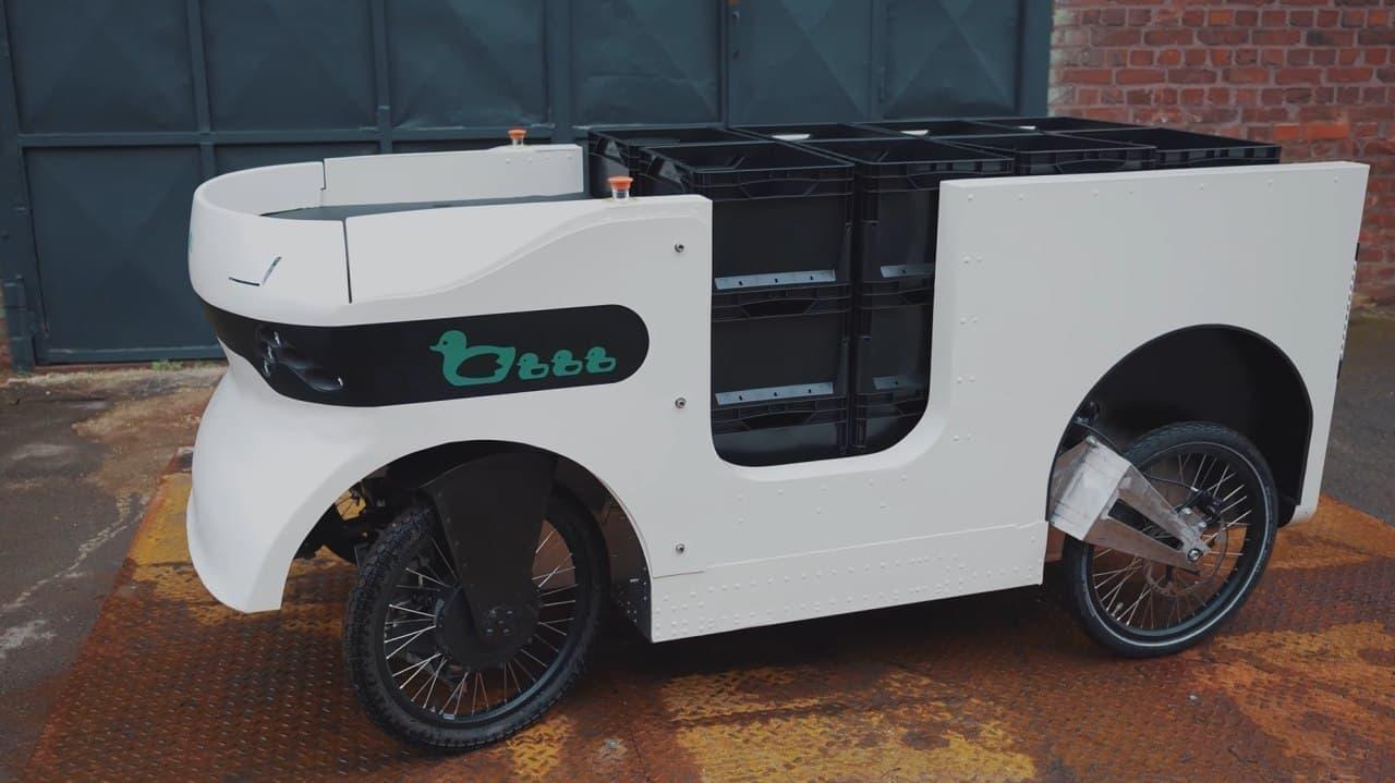自転車で軽トラなみの荷物を運搬可能に カルガモの親子にインスパイアされた「トレーラーダック」