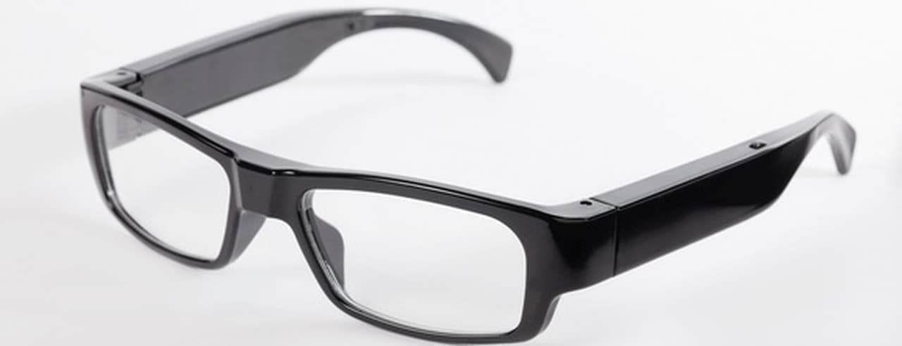 レンズ穴がほぼ見えない フルHDカメラ内蔵メガネがMakuakeに登場