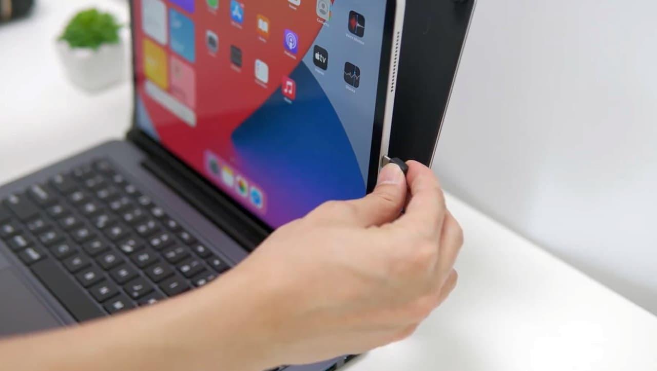 iPad ProをMacBookっぽくする「doqo」 ポートの種類が多い分MacBookより使いやすい?