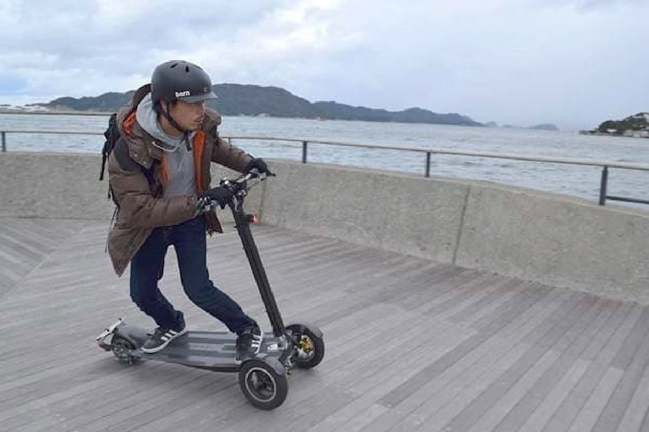 公道を走れる電動キックボード「Sunameri」