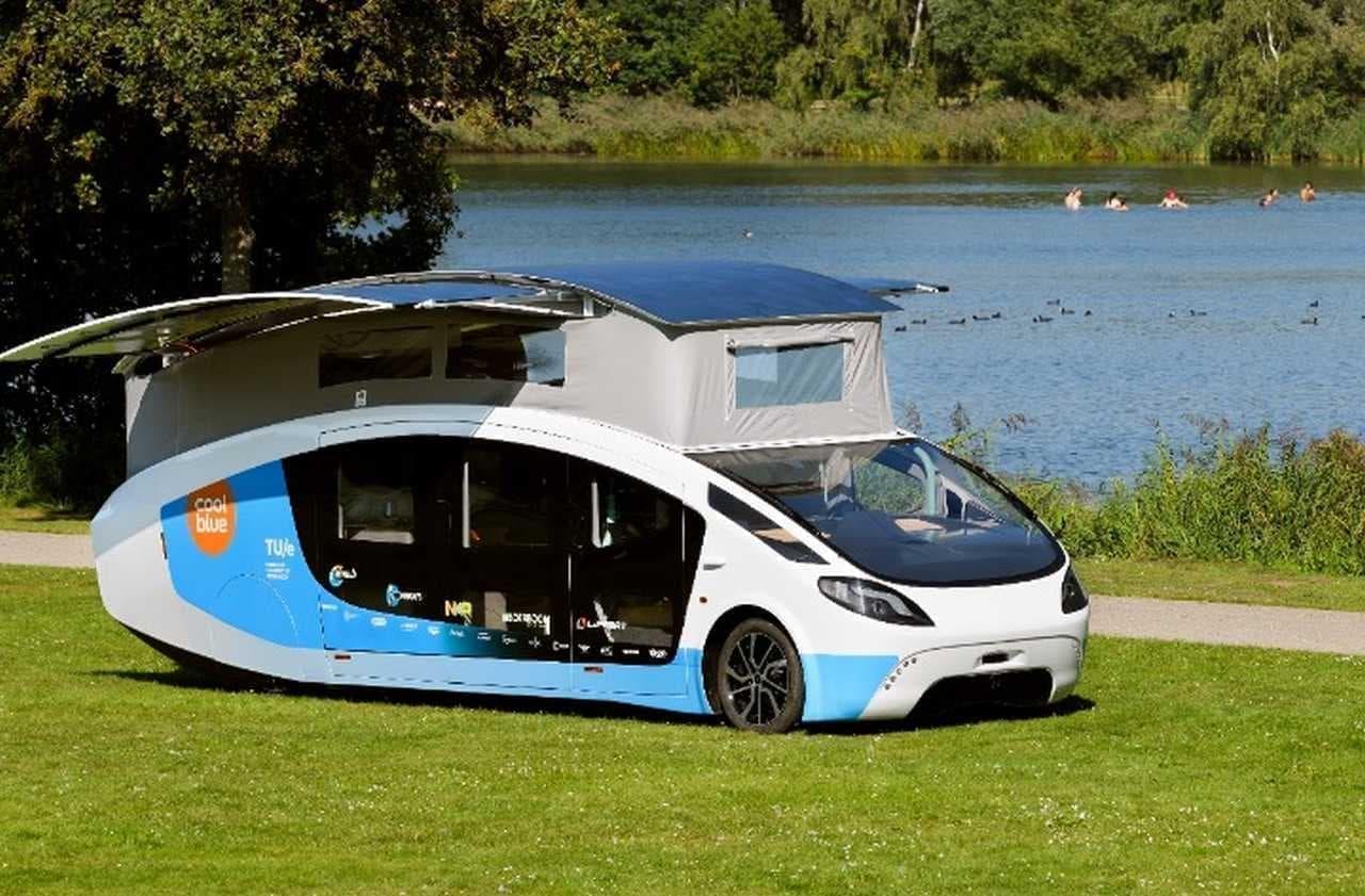ソーラーキャンピングカー「Stella Vita」 太陽光発電のみで走行も生活も