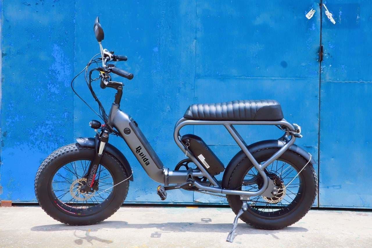 電動バイク「de vida bike」Makuakeに登場 ファットタイヤによる安定感と圧倒的なバイク感