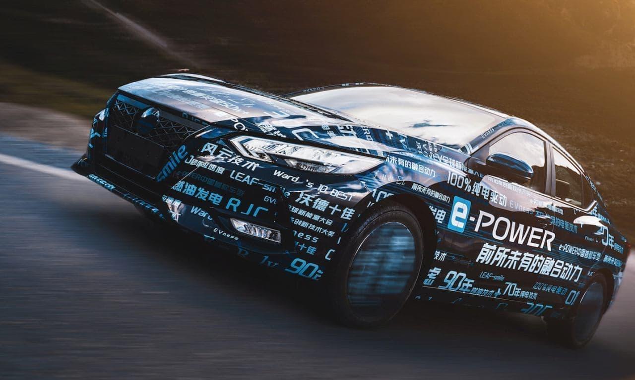 日産自動車、中国で「e-POWERシルフィ」を公開