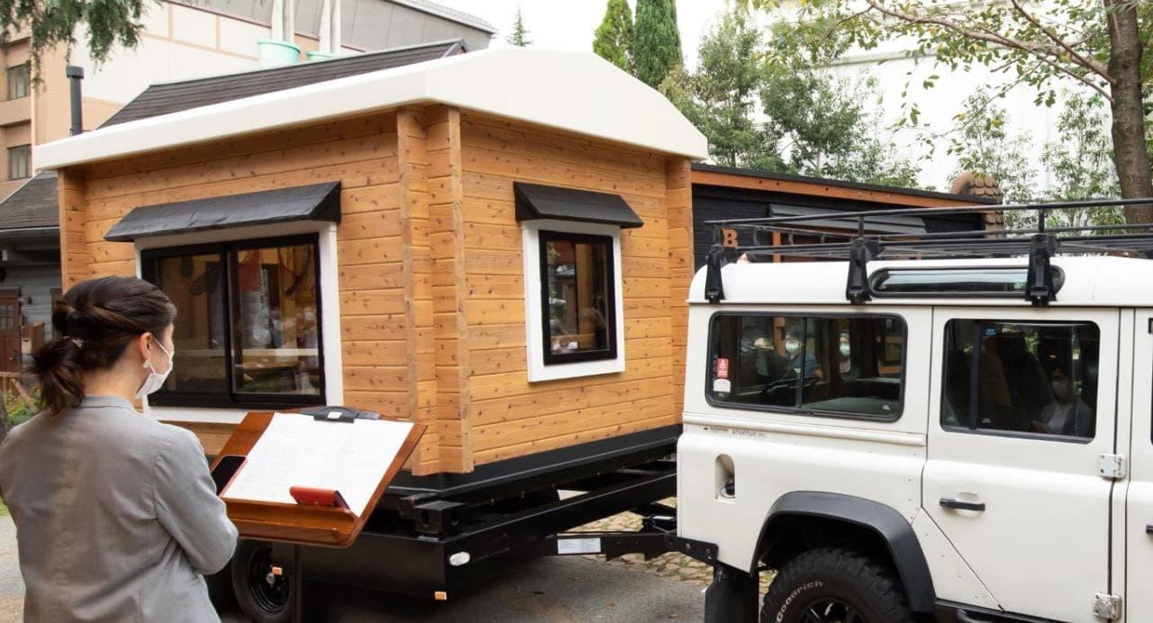 キャンプはもちろん生活もできそう キャンピングトレーラータイプのタイニーハウス「IMAGO」発売
