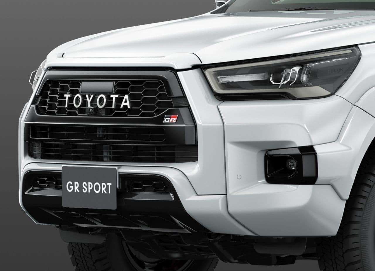 """トヨタ「ハイラックス」にZ""""GR SPORT""""追加 - 専用オーバーフェンダーで迫力あるワイドボディに"""