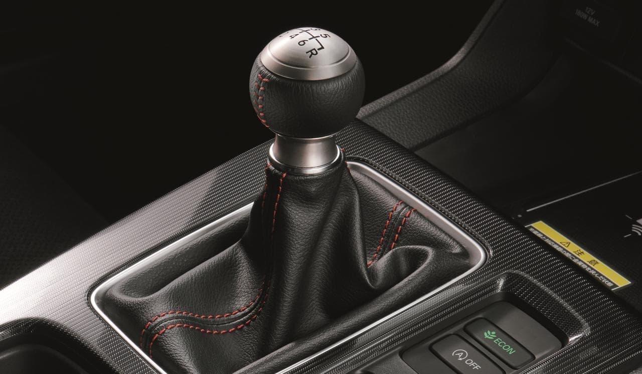 ホンダ 新型「CIVIC」目標の3倍以上売れているそうです マニュアル車も予想上の人気