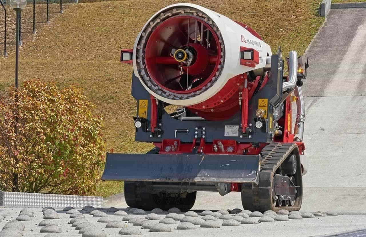 大風量と大量放水で消火 障害物を除去するフロントシールドも装備した消火装置「エアコア」が「アートな乗り物」に登場