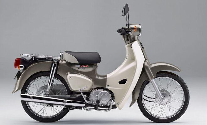 スーパーカブ50 ムーンストーンシルバーメタリック-U